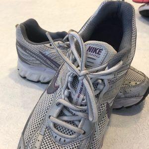 Nike Bowerman Series running shoe size 8.5
